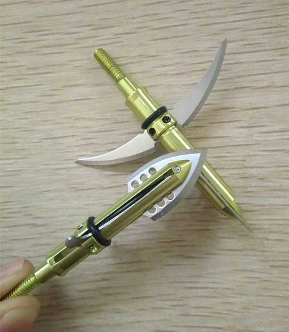 Archery olive broadheads with arrows